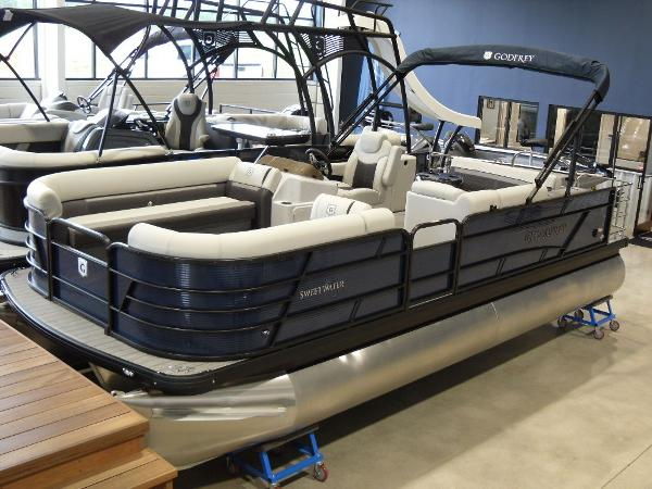 2021 Godfrey Pontoon boat for sale, model of the boat is SW 2286 SFL GTP 27 in. & Image # 2 of 19
