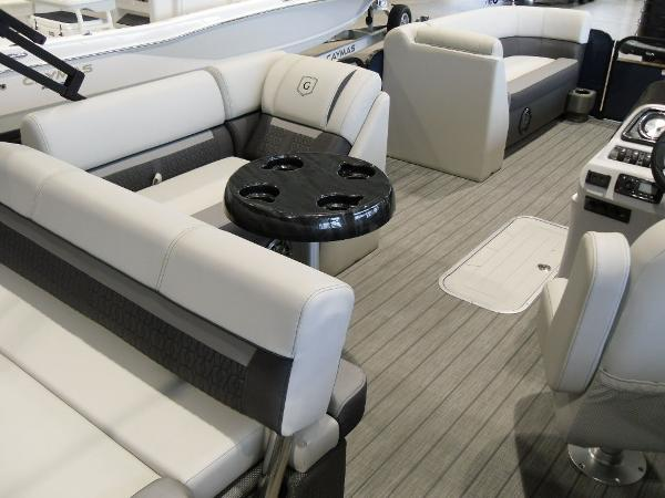 2021 Godfrey Pontoon boat for sale, model of the boat is SW 2286 SFL GTP 27 in. & Image # 10 of 19