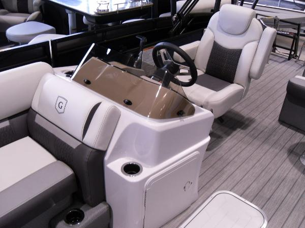 2021 Godfrey Pontoon boat for sale, model of the boat is SW 2286 SFL GTP 27 in. & Image # 15 of 19