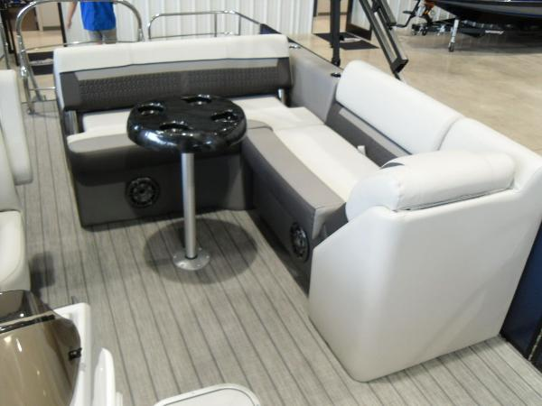 2021 Godfrey Pontoon boat for sale, model of the boat is SW 2286 SFL GTP 27 in. & Image # 17 of 19