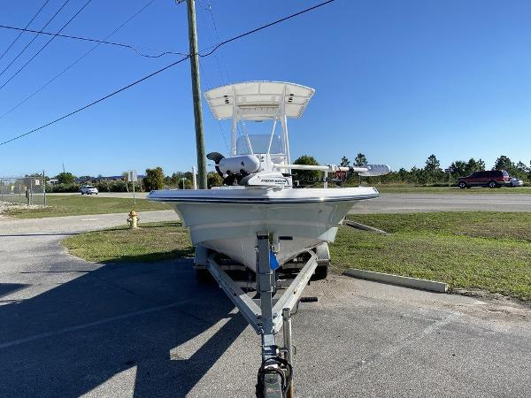 2015 Epic boat for sale, model of the boat is 22SC & Image # 2 of 10