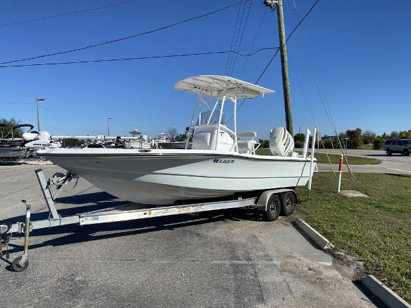 2015 Epic boat for sale, model of the boat is 22SC & Image # 3 of 10
