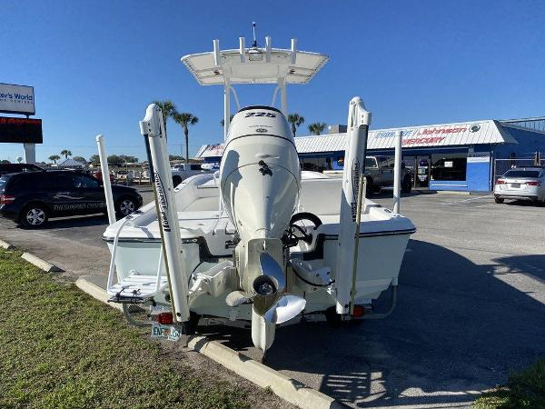 2015 Epic boat for sale, model of the boat is 22SC & Image # 4 of 10