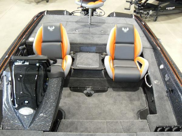 2020 Phoenix boat for sale, model of the boat is 919 ProXP & Image # 3 of 22
