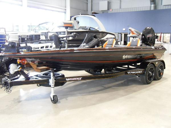 2020 Phoenix boat for sale, model of the boat is 919 ProXP & Image # 5 of 22