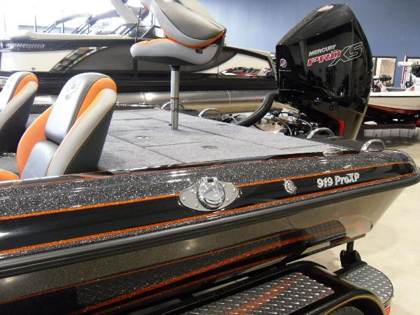 2020 Phoenix boat for sale, model of the boat is 919 ProXP & Image # 6 of 22