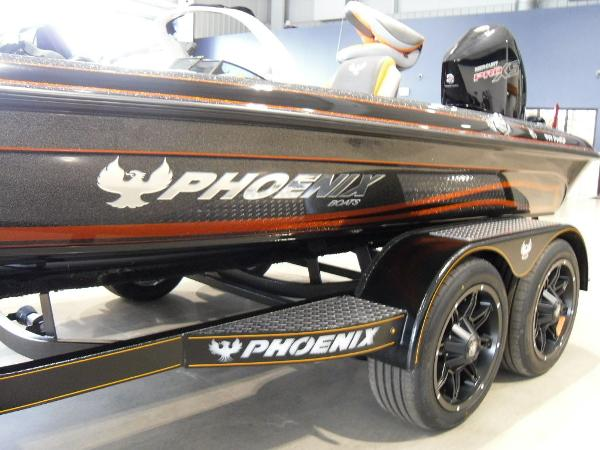 2020 Phoenix boat for sale, model of the boat is 919 ProXP & Image # 7 of 22
