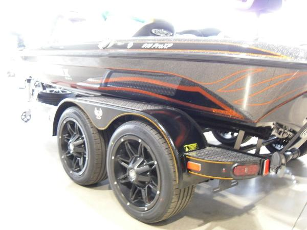 2020 Phoenix boat for sale, model of the boat is 919 ProXP & Image # 8 of 22