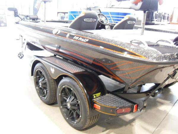 2020 Phoenix boat for sale, model of the boat is 919 ProXP & Image # 9 of 22