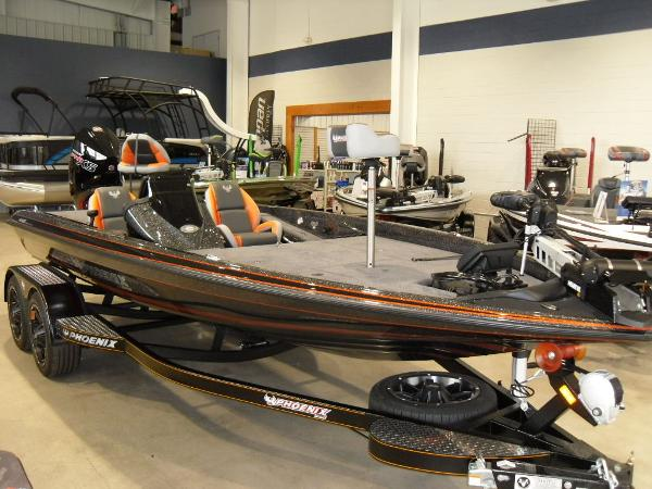 2020 Phoenix boat for sale, model of the boat is 919 ProXP & Image # 12 of 22
