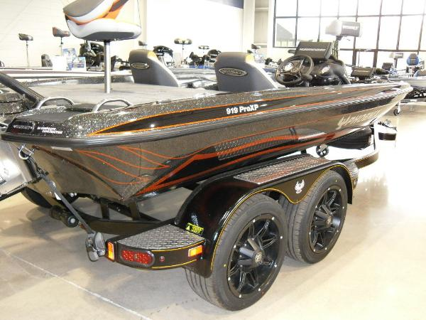 2020 Phoenix boat for sale, model of the boat is 919 ProXP & Image # 15 of 22