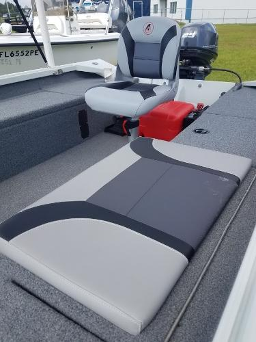 2018 Alumacraft boat for sale, model of the boat is Crappie & Image # 9 of 14