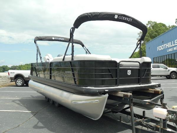 2021 Godfrey Pontoon boat for sale, model of the boat is SW 2286 SFL GTP 27 in. & Image # 7 of 43