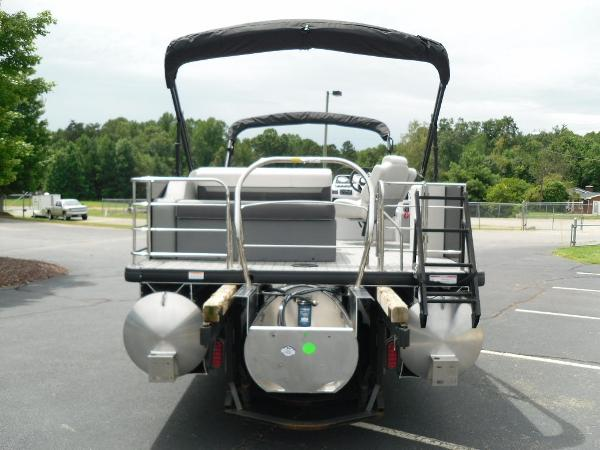 2021 Godfrey Pontoon boat for sale, model of the boat is SW 2286 SFL GTP 27 in. & Image # 10 of 43