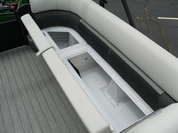 2021 Godfrey Pontoon boat for sale, model of the boat is SW 2286 SFL GTP 27 in. & Image # 13 of 43