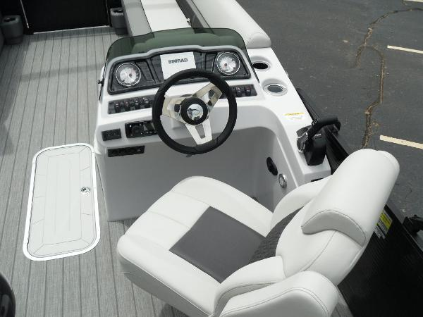 2021 Godfrey Pontoon boat for sale, model of the boat is SW 2286 SFL GTP 27 in. & Image # 14 of 43
