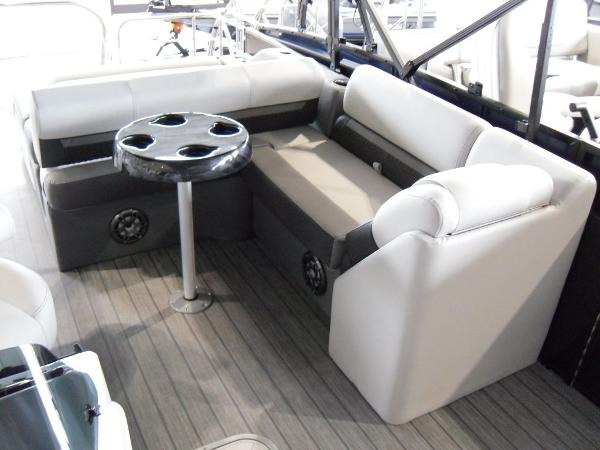 2021 Godfrey Pontoon boat for sale, model of the boat is SW 2286 SFL GTP 27 in. & Image # 19 of 43