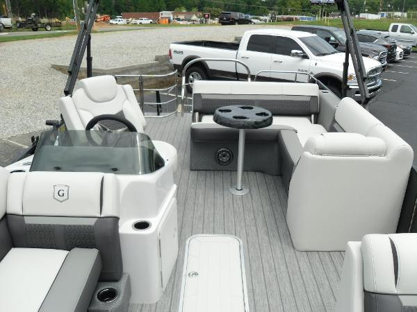 2021 Godfrey Pontoon boat for sale, model of the boat is SW 2286 SFL GTP 27 in. & Image # 21 of 43