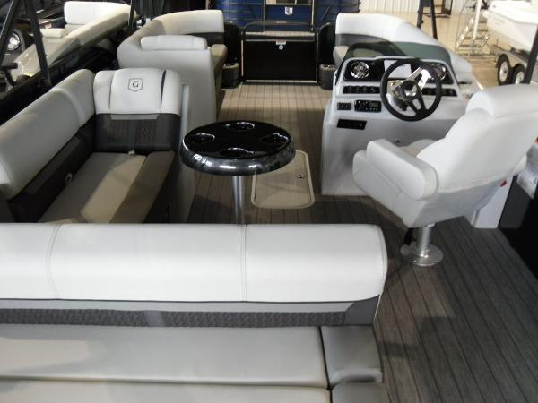 2021 Godfrey Pontoon boat for sale, model of the boat is SW 2286 SFL GTP 27 in. & Image # 30 of 43