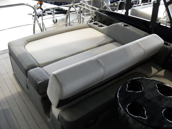 2021 Godfrey Pontoon boat for sale, model of the boat is SW 2286 SFL GTP 27 in. & Image # 39 of 43