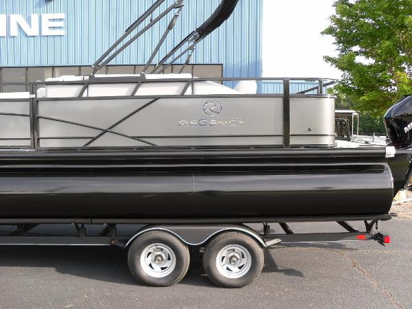 2021 Regency boat for sale, model of the boat is 250 DL3 & Image # 2 of 35