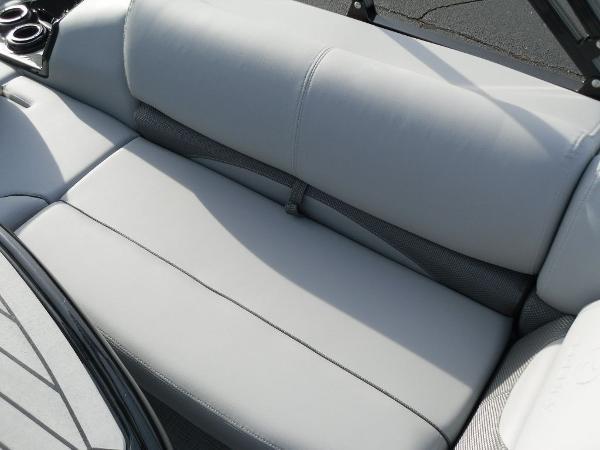 2021 Regency boat for sale, model of the boat is 250 DL3 & Image # 10 of 35