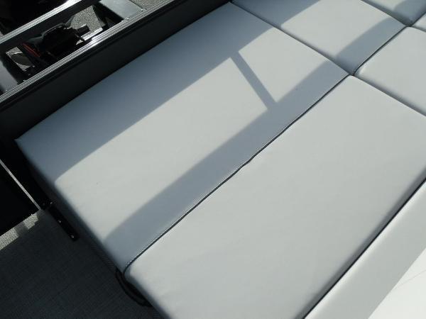 2021 Regency boat for sale, model of the boat is 250 DL3 & Image # 24 of 35