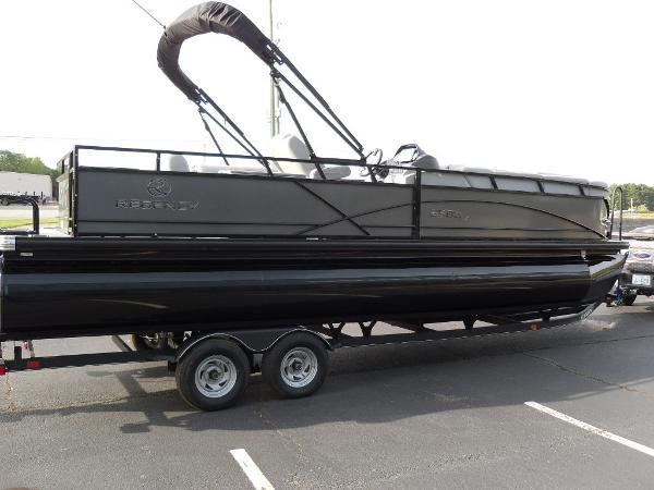 2021 Regency boat for sale, model of the boat is 250 DL3 & Image # 32 of 35