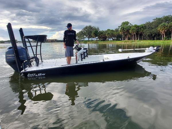 2008 LAKE AND BAY Predator 17