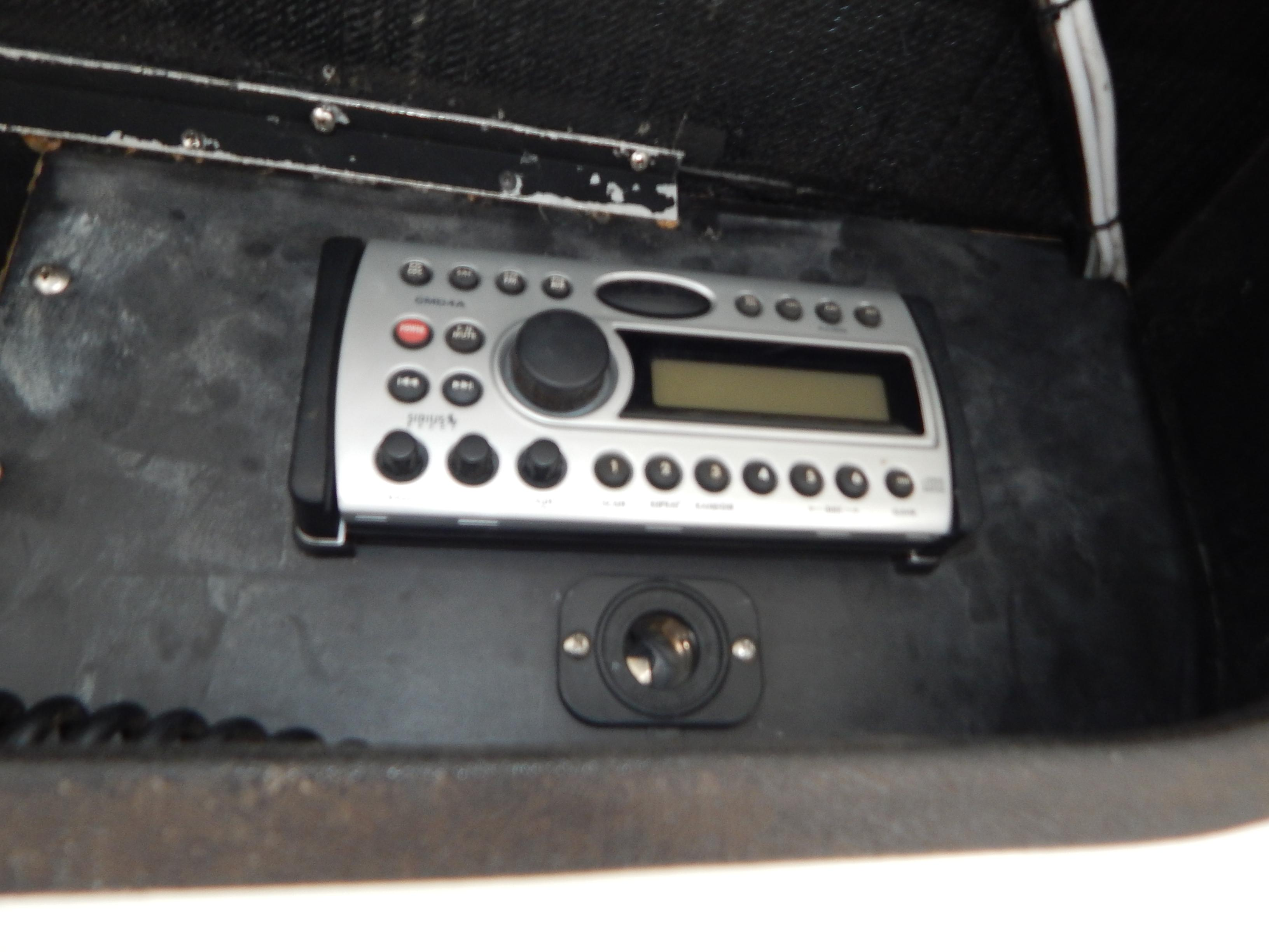 Clarion Stereo