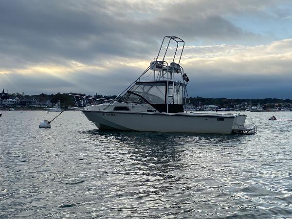 27' Boston Whaler 27 Inboard
