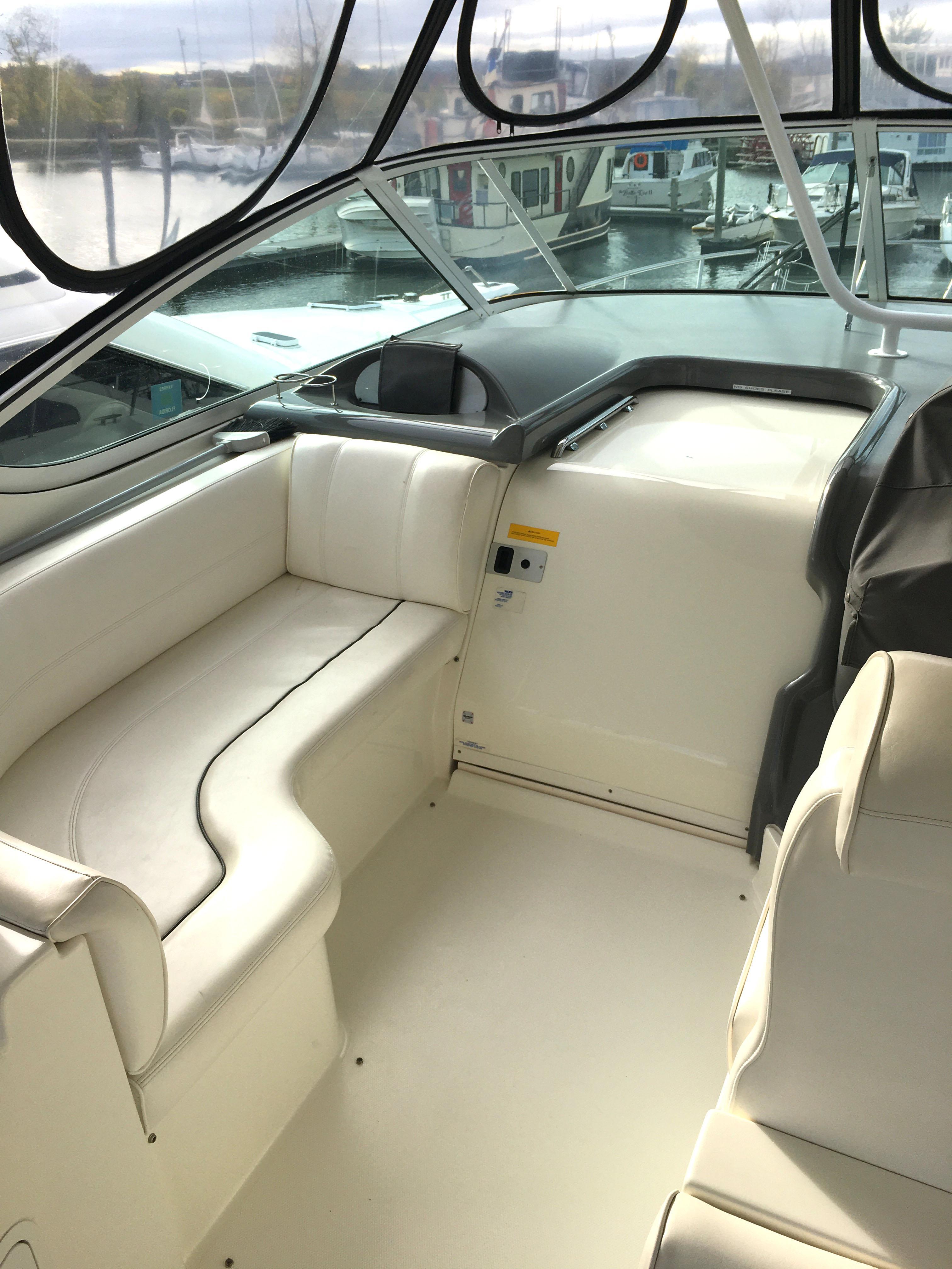 NY 5825 SF Knot 10 Yacht Sales