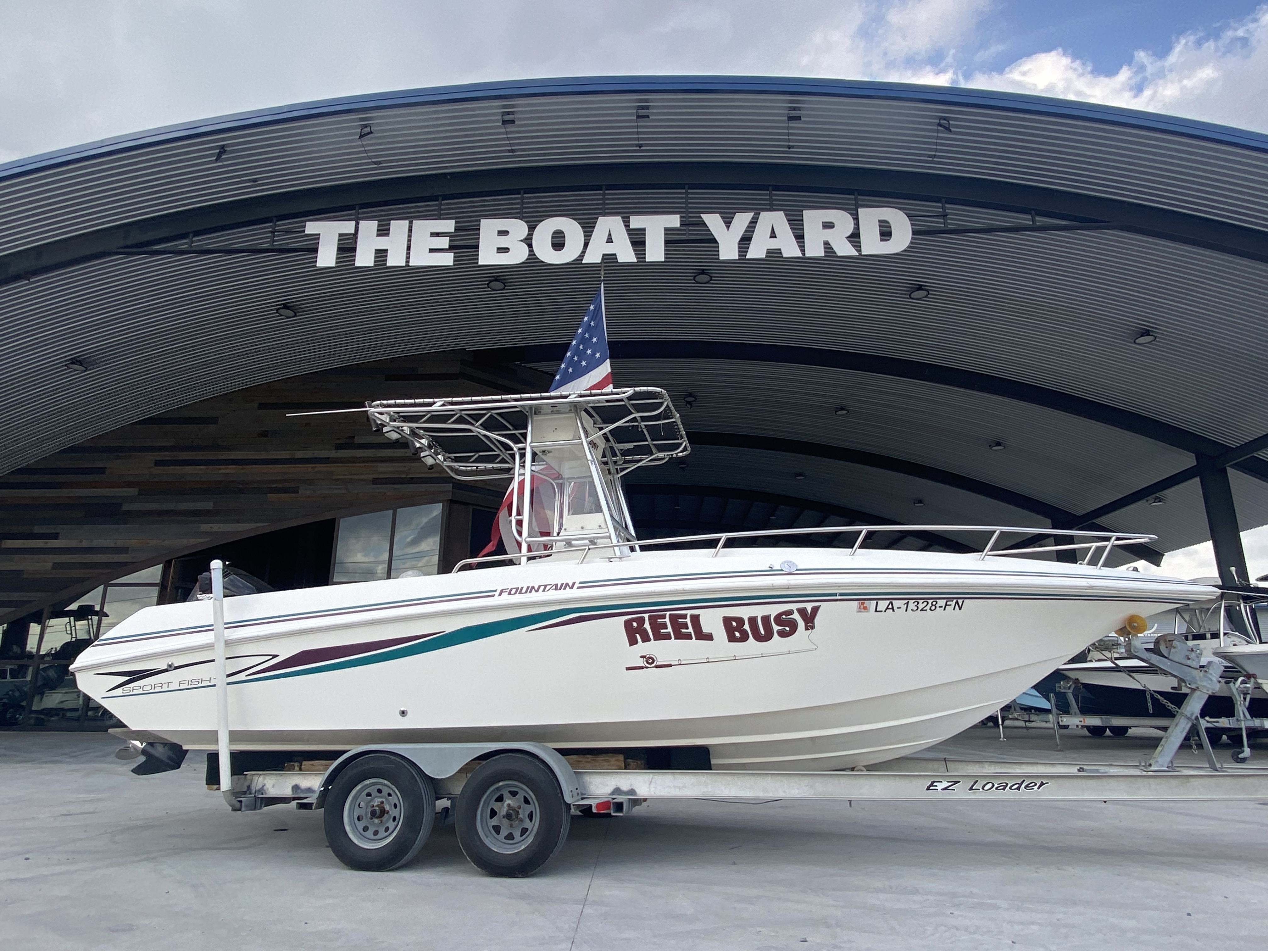 1998 Fountain boat for sale, model of the boat is 25 ft & Image # 1 of 7