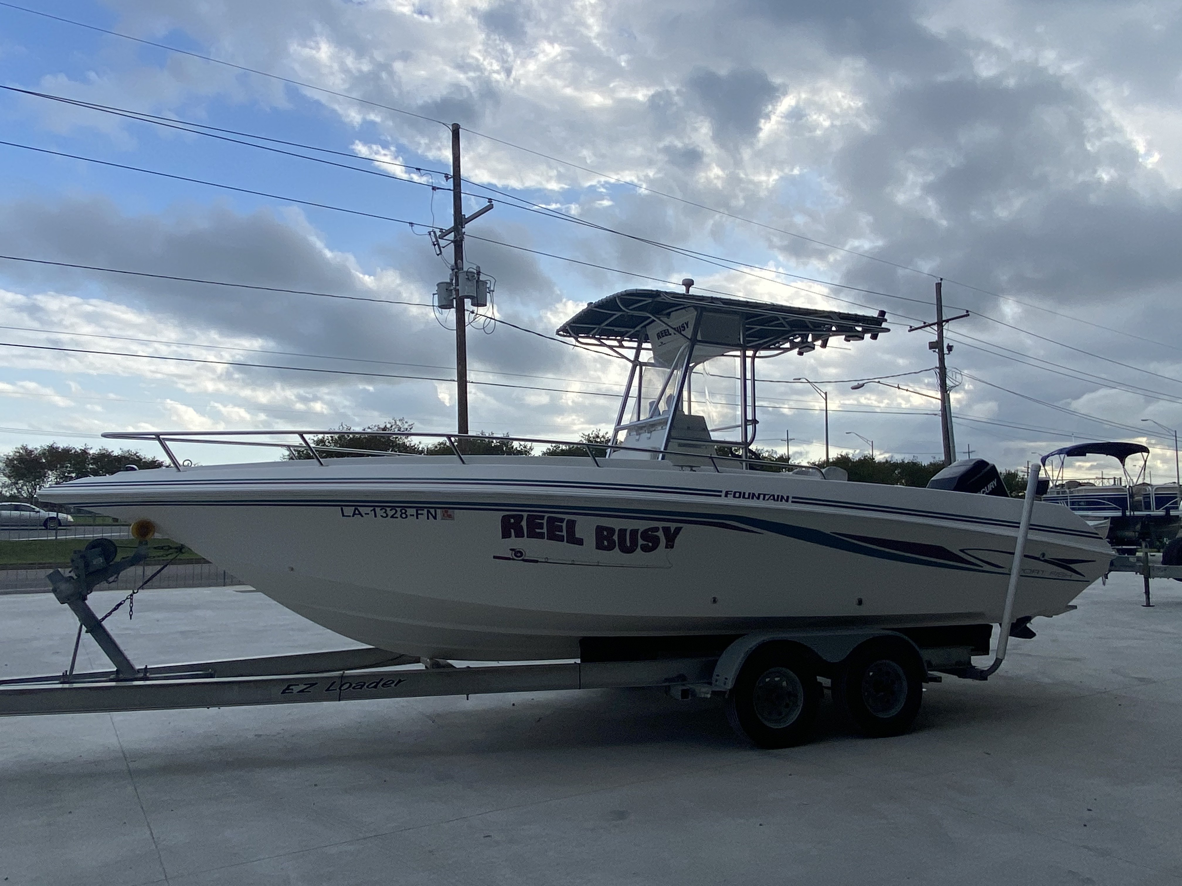 1998 Fountain boat for sale, model of the boat is 25 ft & Image # 2 of 7