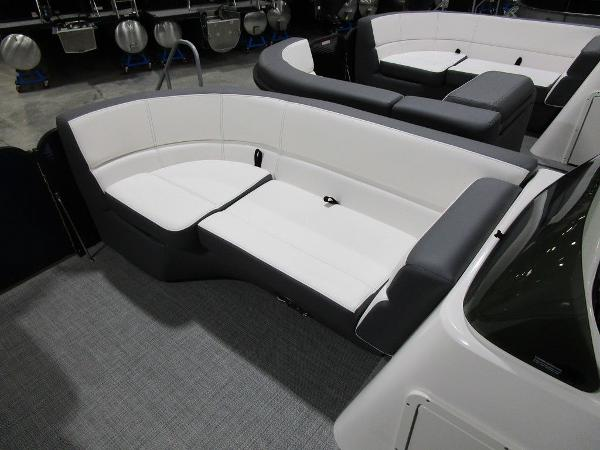 2021 Manitou boat for sale, model of the boat is RF 23 Aurora LE VP & Image # 6 of 36