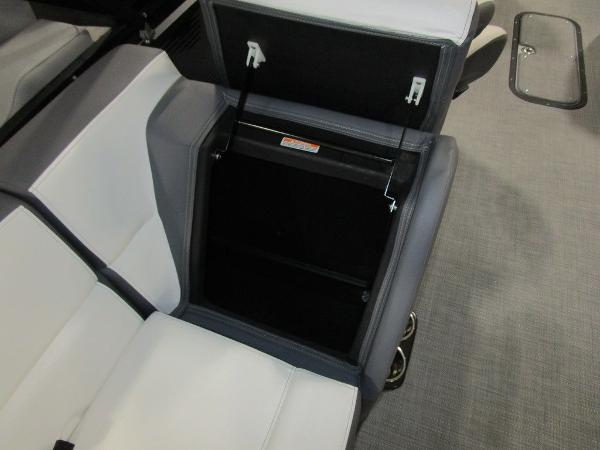 2021 Manitou boat for sale, model of the boat is RF 23 Aurora LE VP & Image # 34 of 36