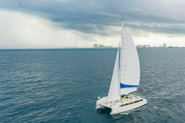 28' Smart Cat, Listing Number 100849249, - Photo No. 3