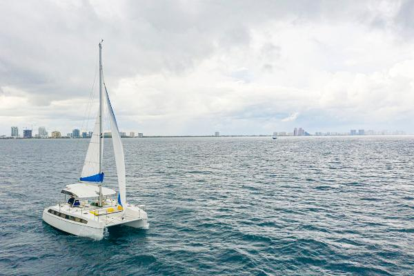 28' Smart Cat, Listing Number 100849249, - Photo No. 4