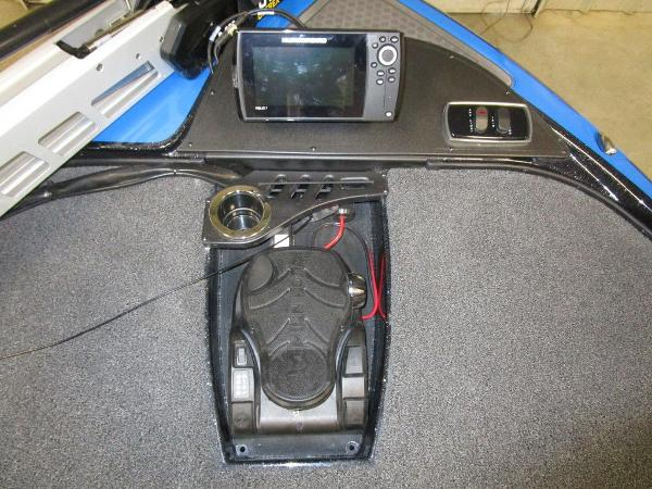 2021 Nitro boat for sale, model of the boat is Z18 Pro & Image # 12 of 41