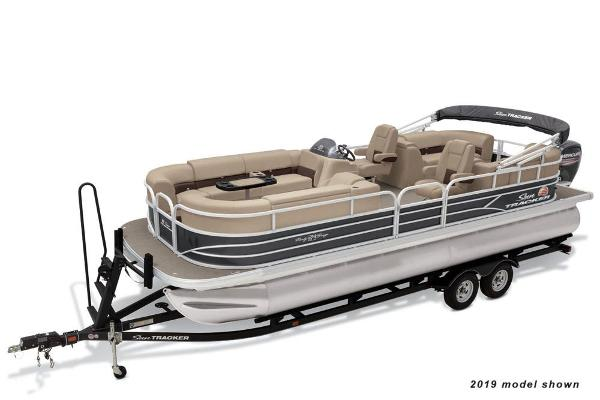 2020 Sun Tracker boat for sale, model of the boat is Party Barge 24 DLX & Image # 1 of 13