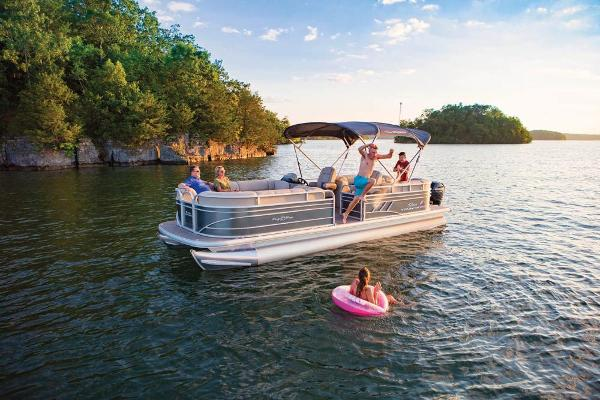 2020 Sun Tracker boat for sale, model of the boat is Party Barge 24 DLX & Image # 2 of 13