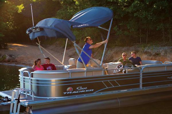 2020 Sun Tracker boat for sale, model of the boat is Party Barge 24 DLX & Image # 8 of 13
