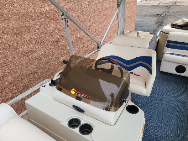 2002 Premier Pontoons boat for sale, model of the boat is 225 Legend Deluxe RE & Image # 5 of 11
