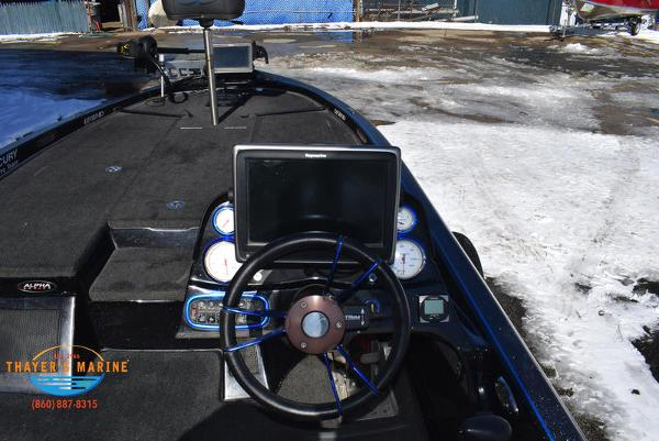 2014 Legend boat for sale, model of the boat is Alpha 211R & Image # 9 of 67