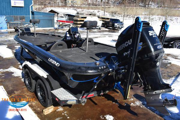 2014 Legend boat for sale, model of the boat is Alpha 211R & Image # 20 of 67