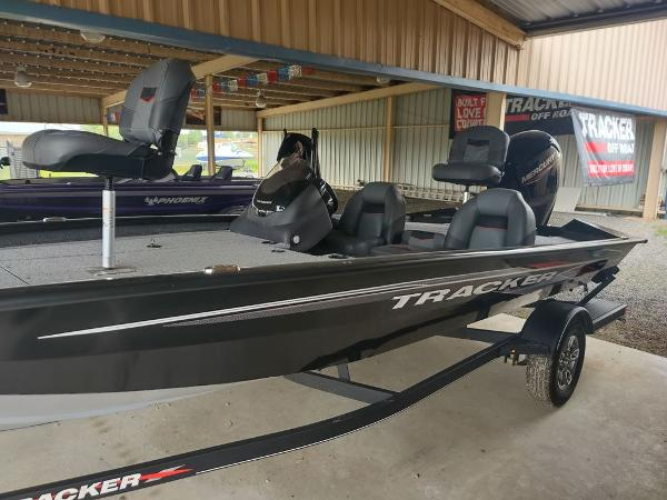 2021 Tracker Boats boat for sale, model of the boat is Pro Team™ 190 TX & Image # 6 of 7