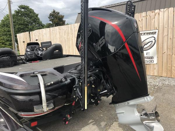 2017 Nitro boat for sale, model of the boat is Z20 & Image # 5 of 25