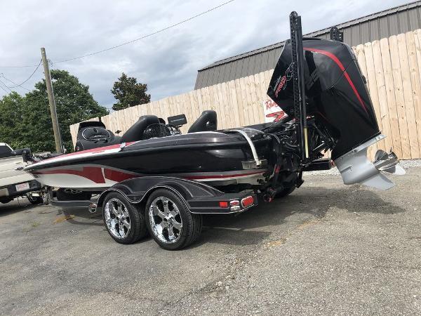2017 Nitro boat for sale, model of the boat is Z20 & Image # 9 of 25