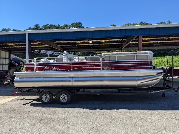 2022 Sun Tracker boat for sale, model of the boat is SportFish 22 DLX & Image # 1 of 8