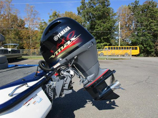 2021 Skeeter boat for sale, model of the boat is ZX150 & Image # 7 of 51
